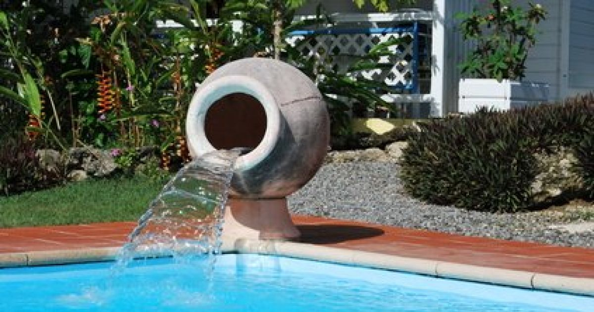 accessoire piscine fontaine
