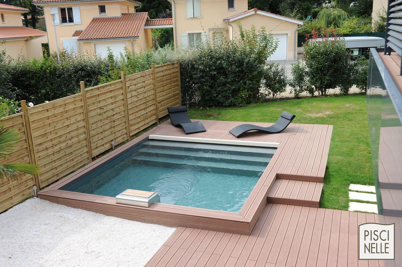accessoire piscine piscinelle. Black Bedroom Furniture Sets. Home Design Ideas