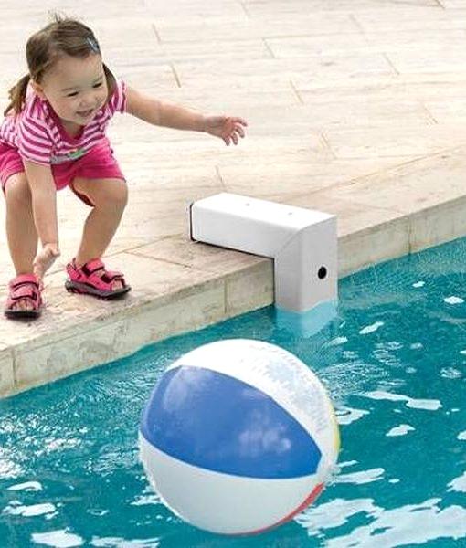 alarme piscine et vent