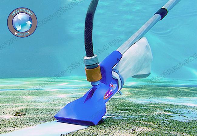 aspirateur piscine avec tuyau d'arrosage