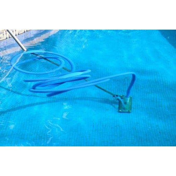 aspirateur piscine branchement tuyau arrosage