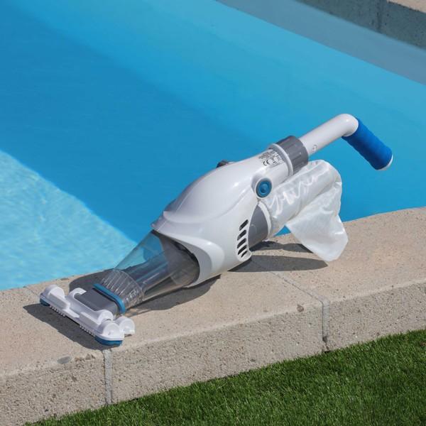 aspirateur piscine jet d 39 eau. Black Bedroom Furniture Sets. Home Design Ideas