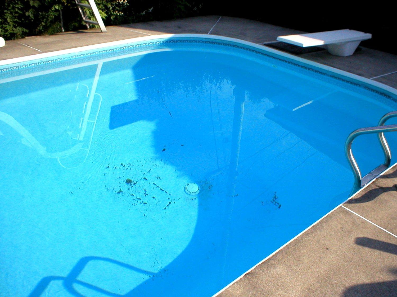 aspirateur piscine probleme. Black Bedroom Furniture Sets. Home Design Ideas
