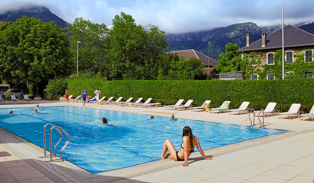 accessoire piscine rhone alpes