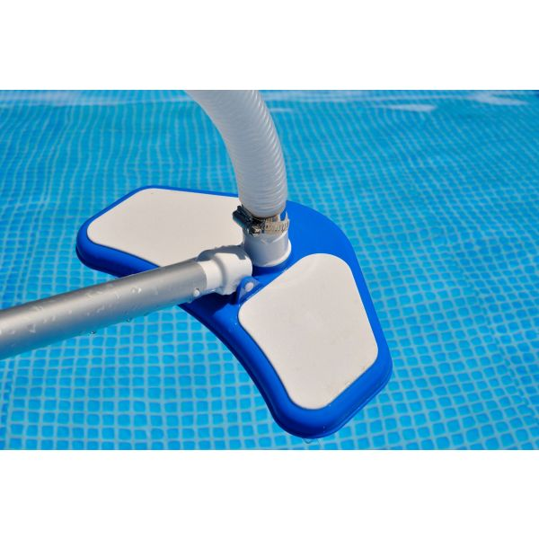 aspirateur piscine balai