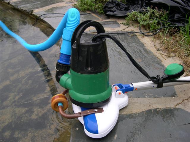 aspirateur piscine naturelle